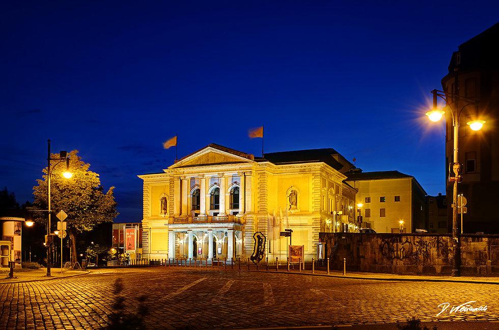 Oper-Halle-2.jpg