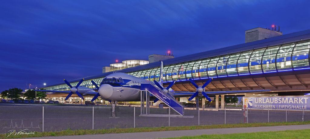 IL 18 auf dem Airport Halle/Leipzig